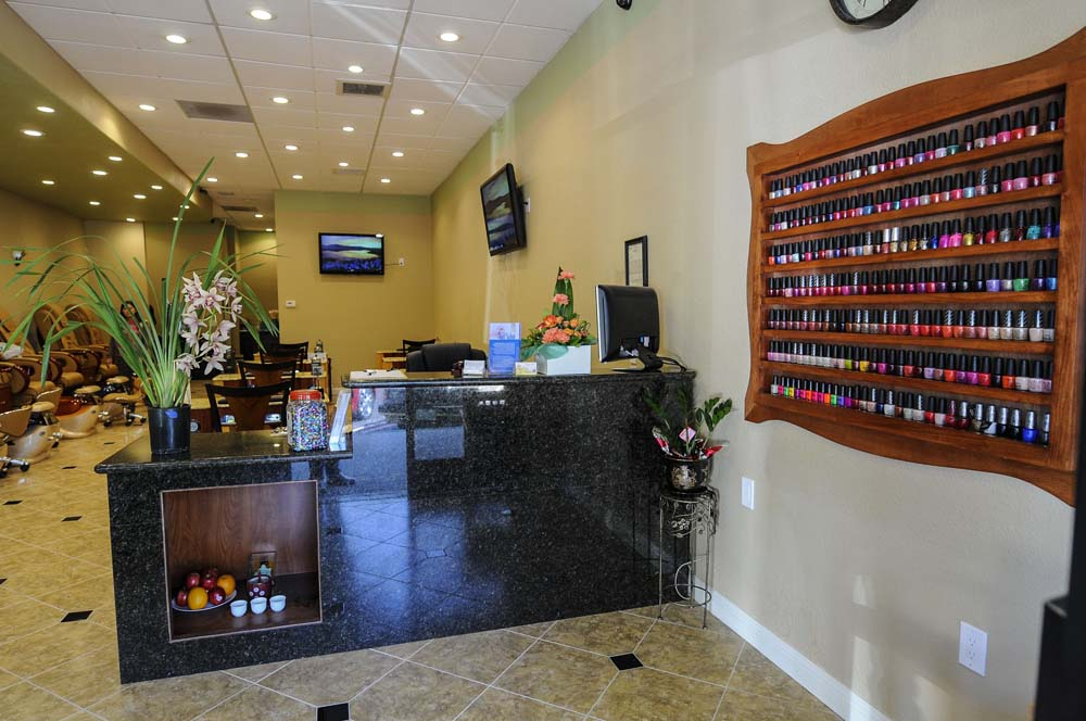 24 Nail Salon Nyc Of 5 Nail Salon Red Flags You Shouldn T Ignore The Capher